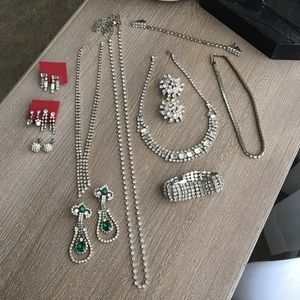 Vintage 12 piece bundle rhinestone jewelry